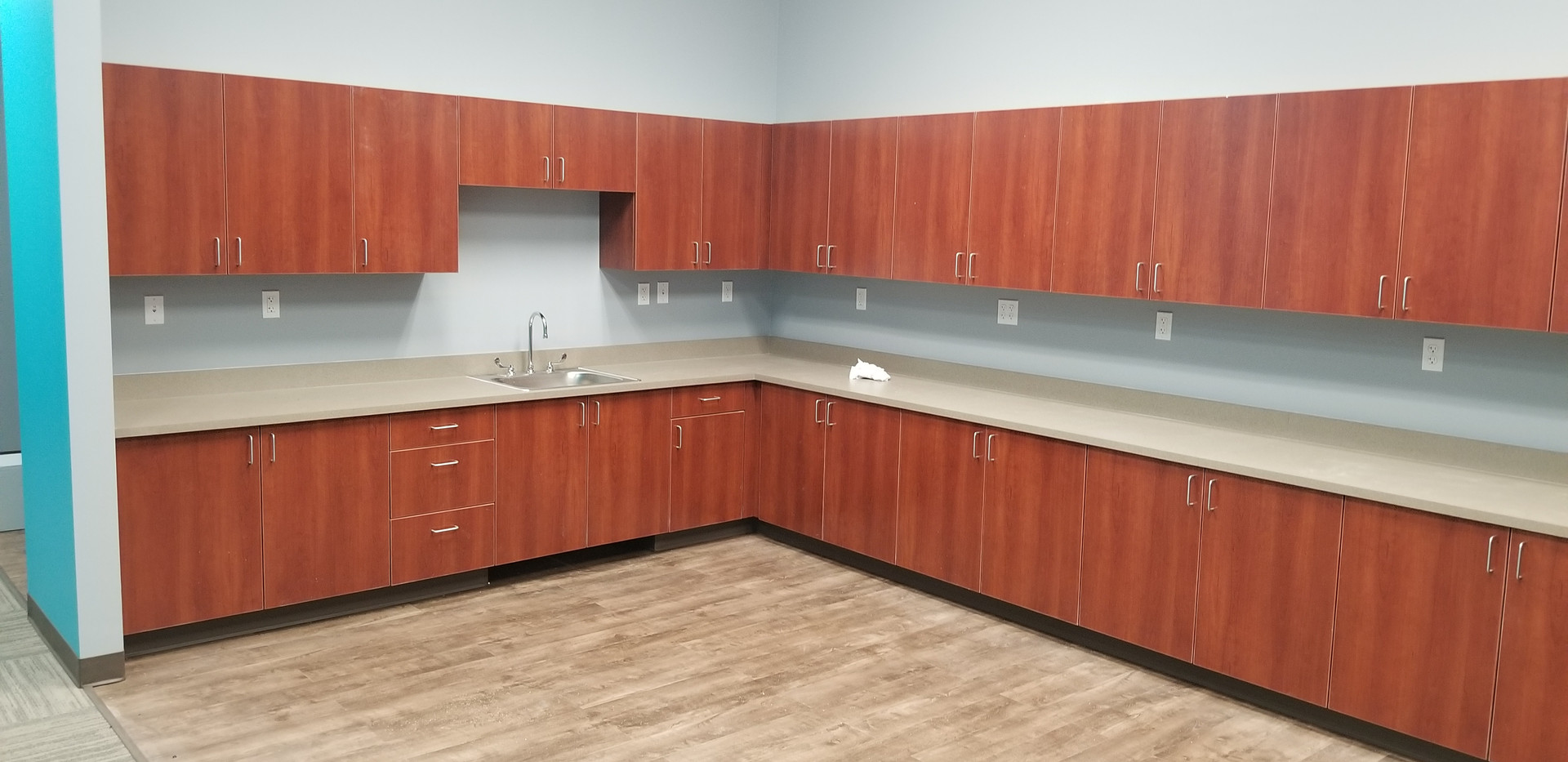 Open Space w/ Sink - Buildout Pros