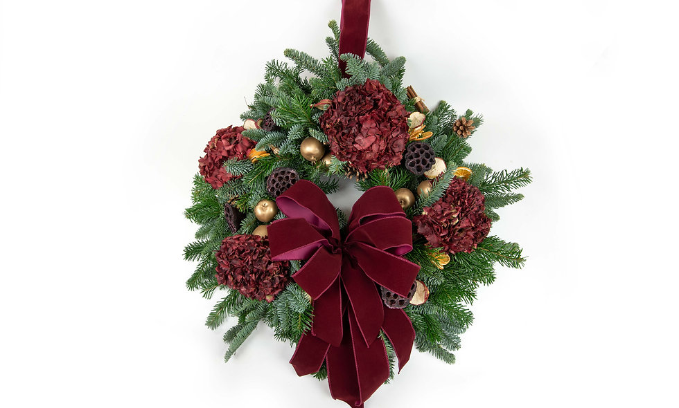 Luxury red wreath