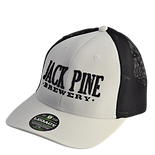 White fitted hat.png