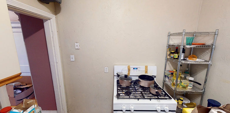 04-kitchen-2jpeg