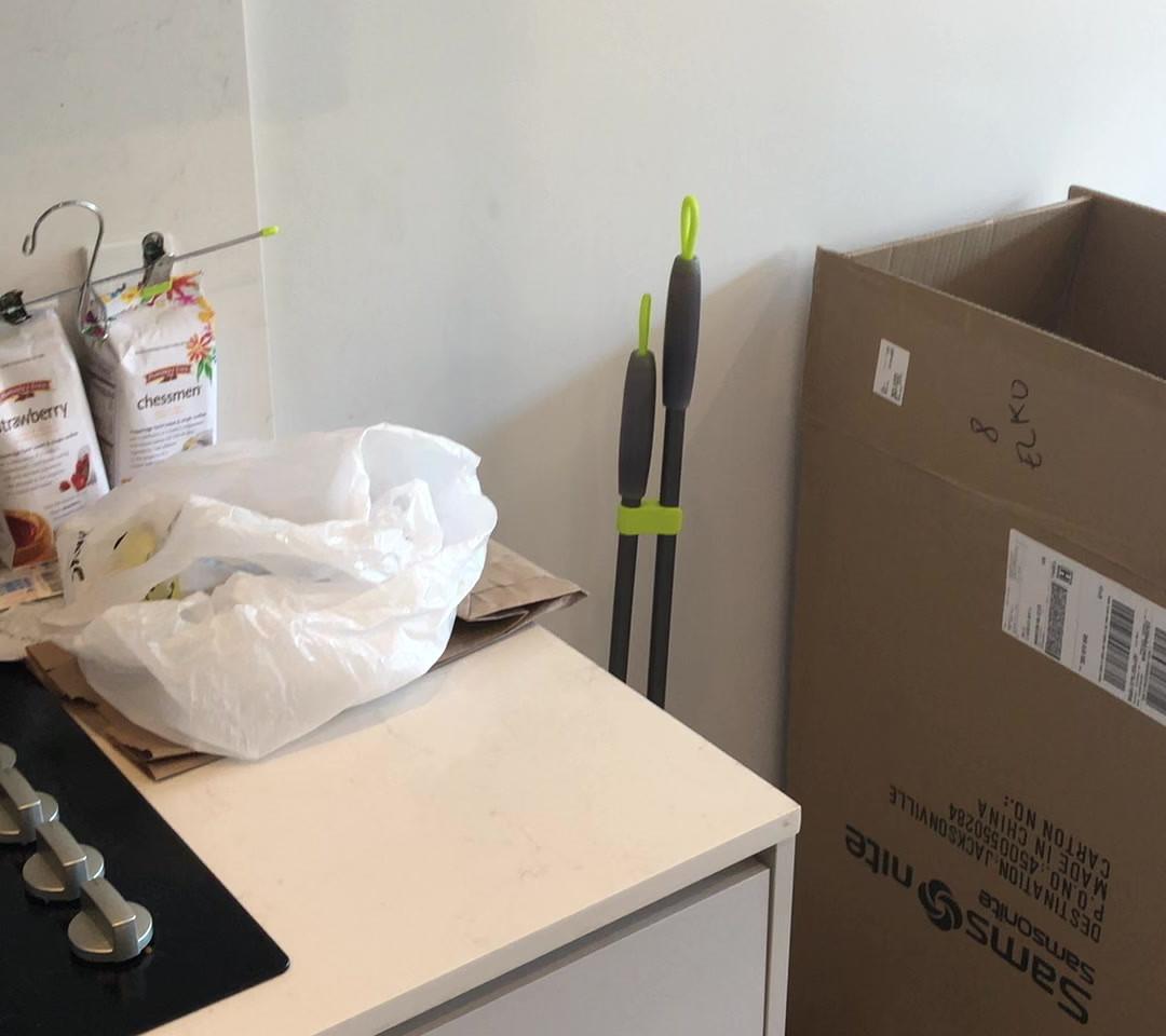 Livingroom, Hallway, Bathroom.MOV