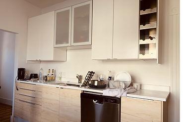01 kitchen counter.jpg