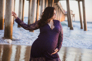 Huntington Beach Maternity Shoot with Crystal