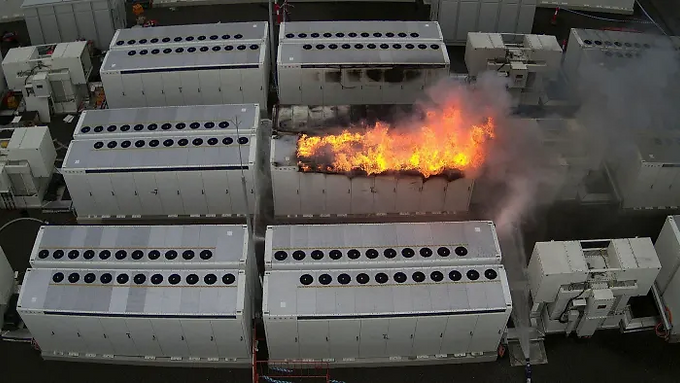 Tesla 'big battery' fire fuels concerns over lithium risks