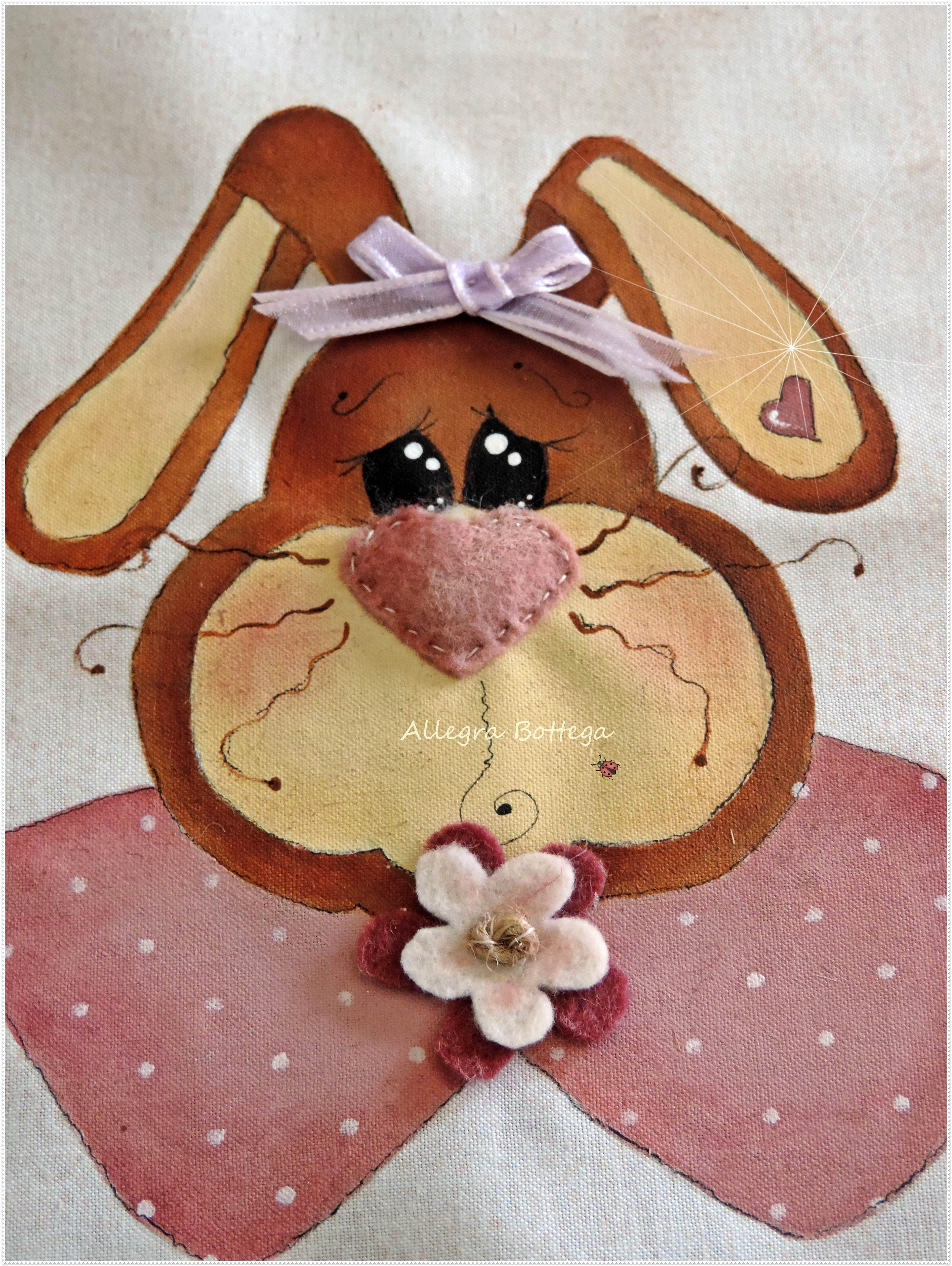 Coniglietta dipinta su stoffa