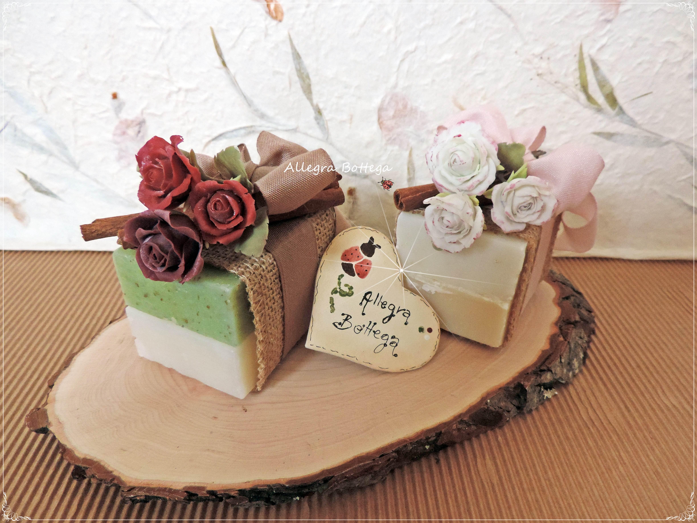 Saponette con rose in porcellana