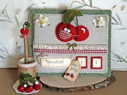 Calendario ciliegie con portamatite