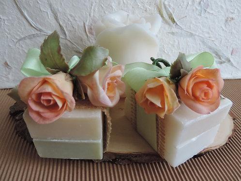 Saponette con rose in porcellana fredda
