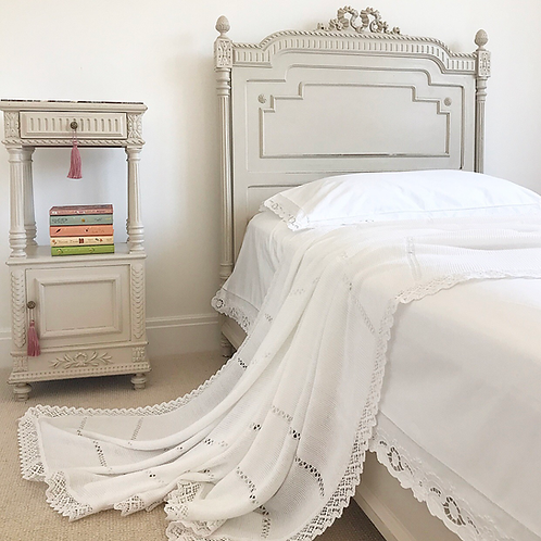 Bella Lace Bed Throw