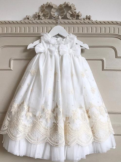 Sesto San Giovanni ~ full length gown and stunning bonnet
