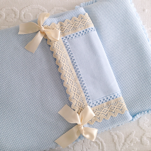 Bella Lace nest ~ in baby blue