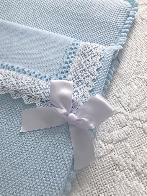 Bella Lace Baby nest ~ in blue and white