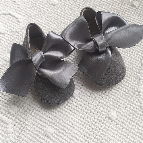Bella Ribbon shoes ~ in grey suede