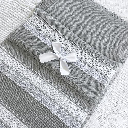 Bella Cartier nest ~ in gorgeous grey