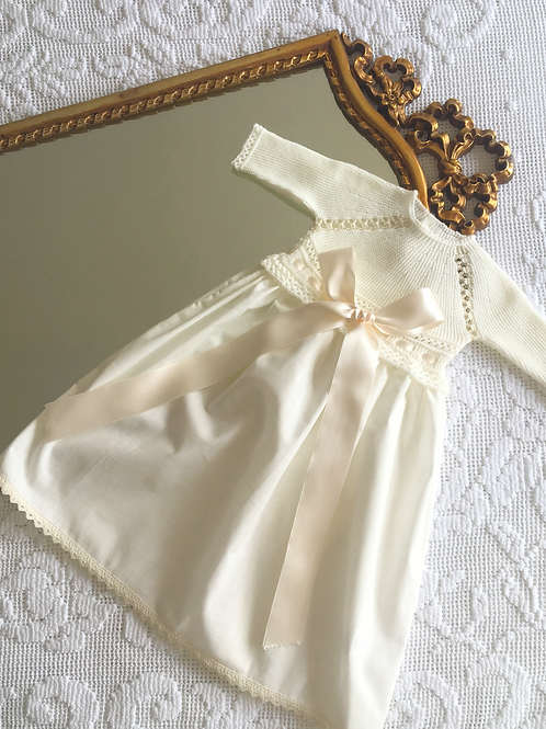 Regal gown ~ in classic cream