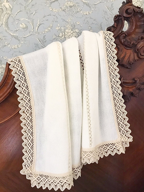Bella Lace blanket ~ in chic cream