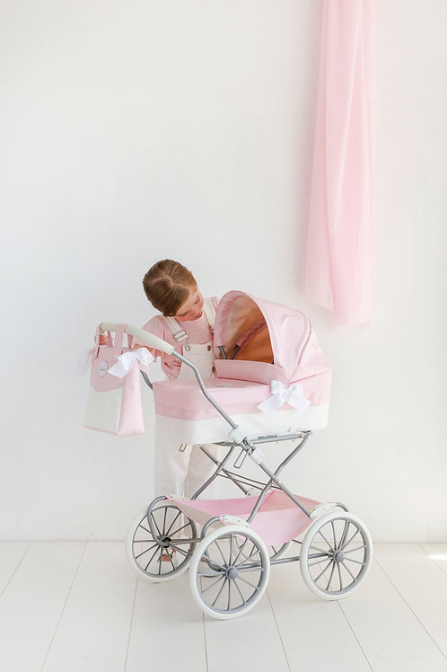 Spanish La Niña classic dolls pram in pink and white (with changing bag)