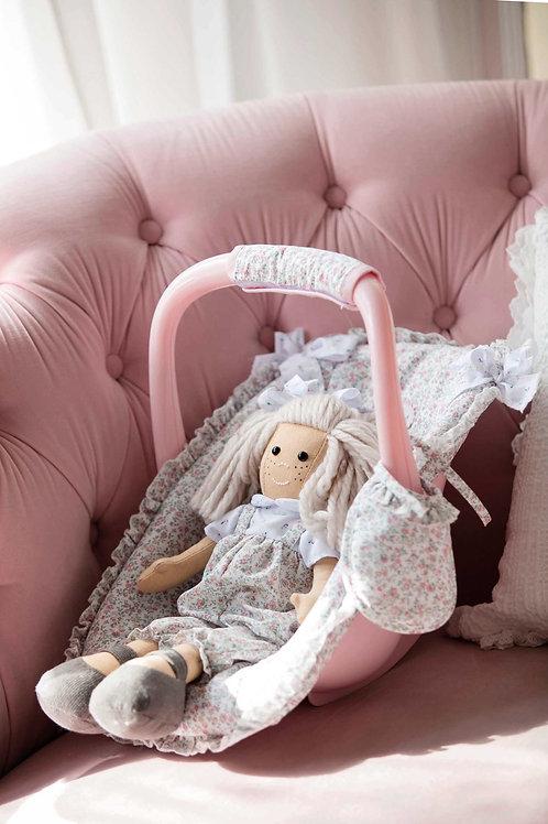 Spanish La Niña dolls maxi cosi (doll sold separately)
