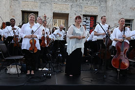 Elaine Rinaldi & Orchestra Miami at the MB 100 concert
