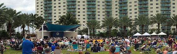 Audience at the SIB Beethoven on the Beach concert