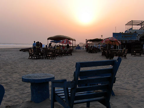 Solnedgang_på_Labadi_beach.jpg