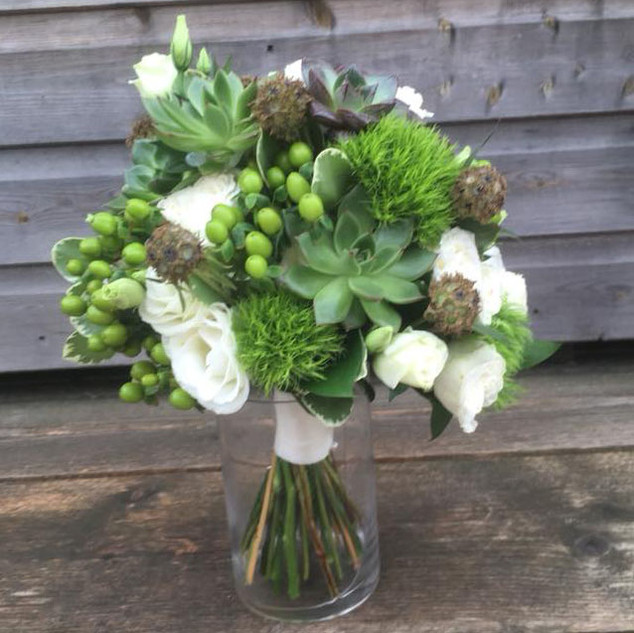 Hand-tied Bouquet White