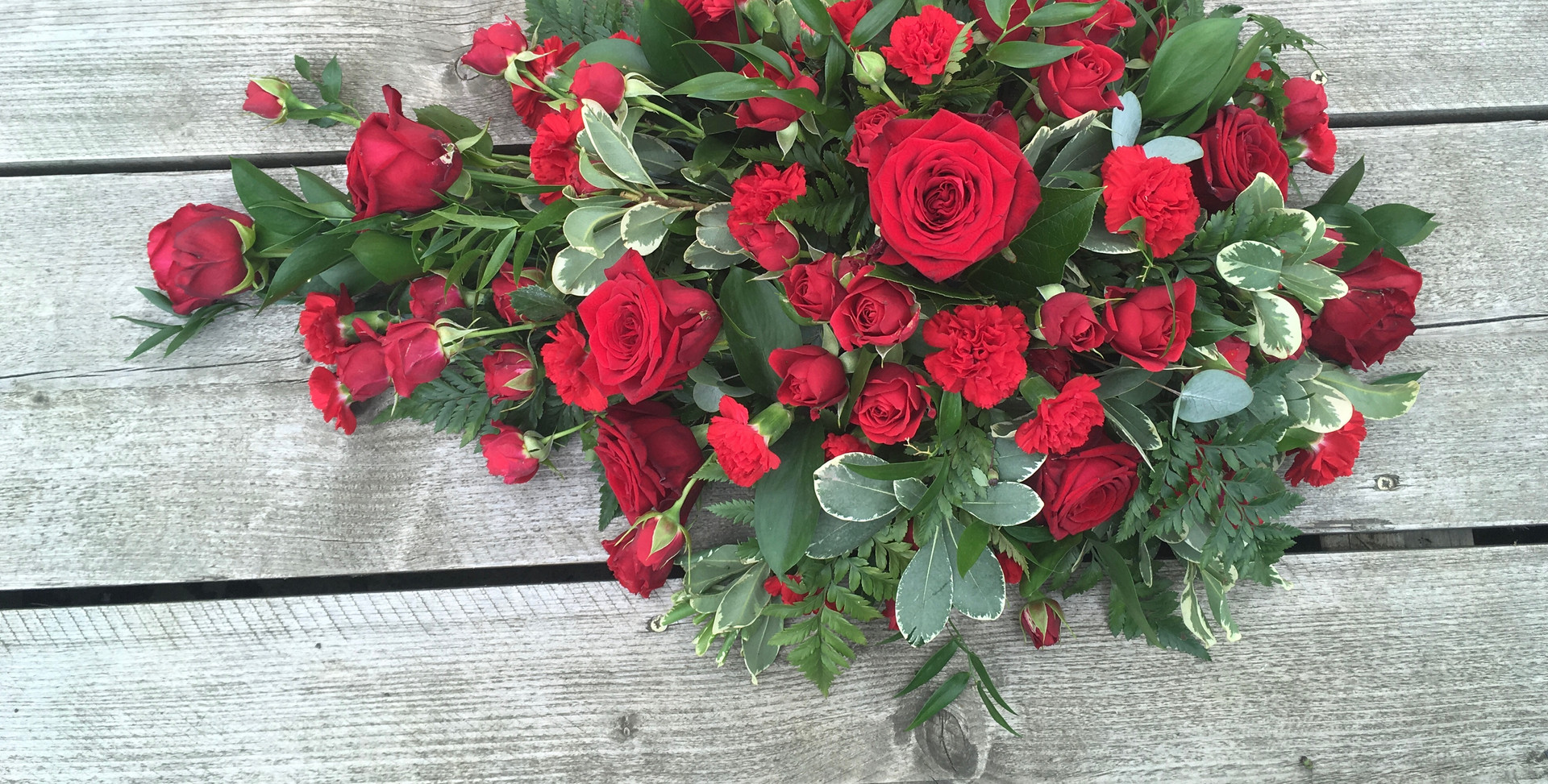Single Ended Spray - With Red Roses