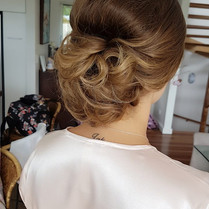 makeup and hair minto