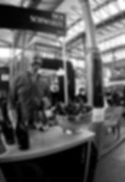 Frank Basta, derschwarzesekt, Cocktail, Cocktailparty, Party, vinospumantenero, sekt, postvinum, schwarz, sparklingwine, black, schwarzerSekt, winelover, qualitätsschaumwein, black wine, Frankfurt