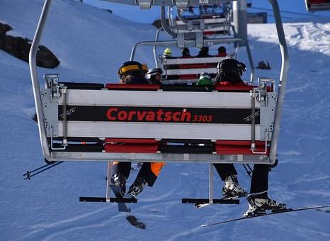 Quand un accident de ski devient accident de travail...