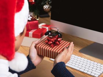 Noël au bureau : pensez aux bons cadeaux !