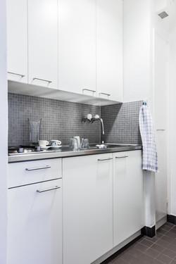 Frontseite Wohnung Küche