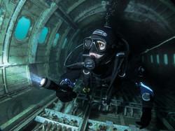 Plane Diver
