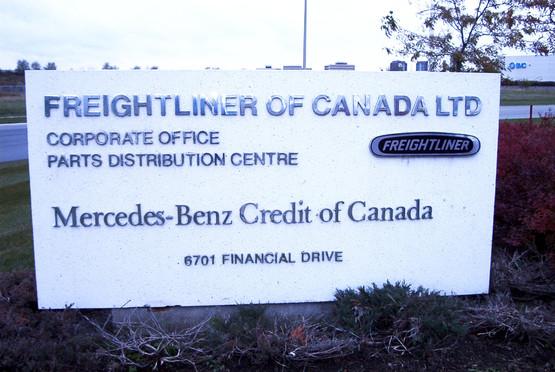 Freightliner & Mercedes Outdoor