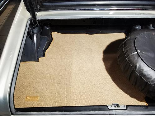 Tapis de coffre signé Paul Bracq - Car trunk mat signed Paul Bracq