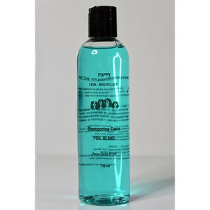 Poils blancs shampoing