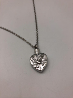 Silver Heart With Dove | 0.5cm (w) x 2.2cm (h)