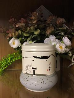 White Urn 6 | Top diameter: 10cm, Bottom Diameter: 12cm, Height: 12cm
