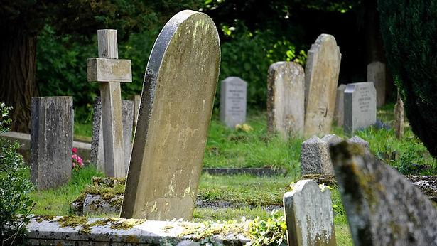 cemetery-1495672_1280.jpg