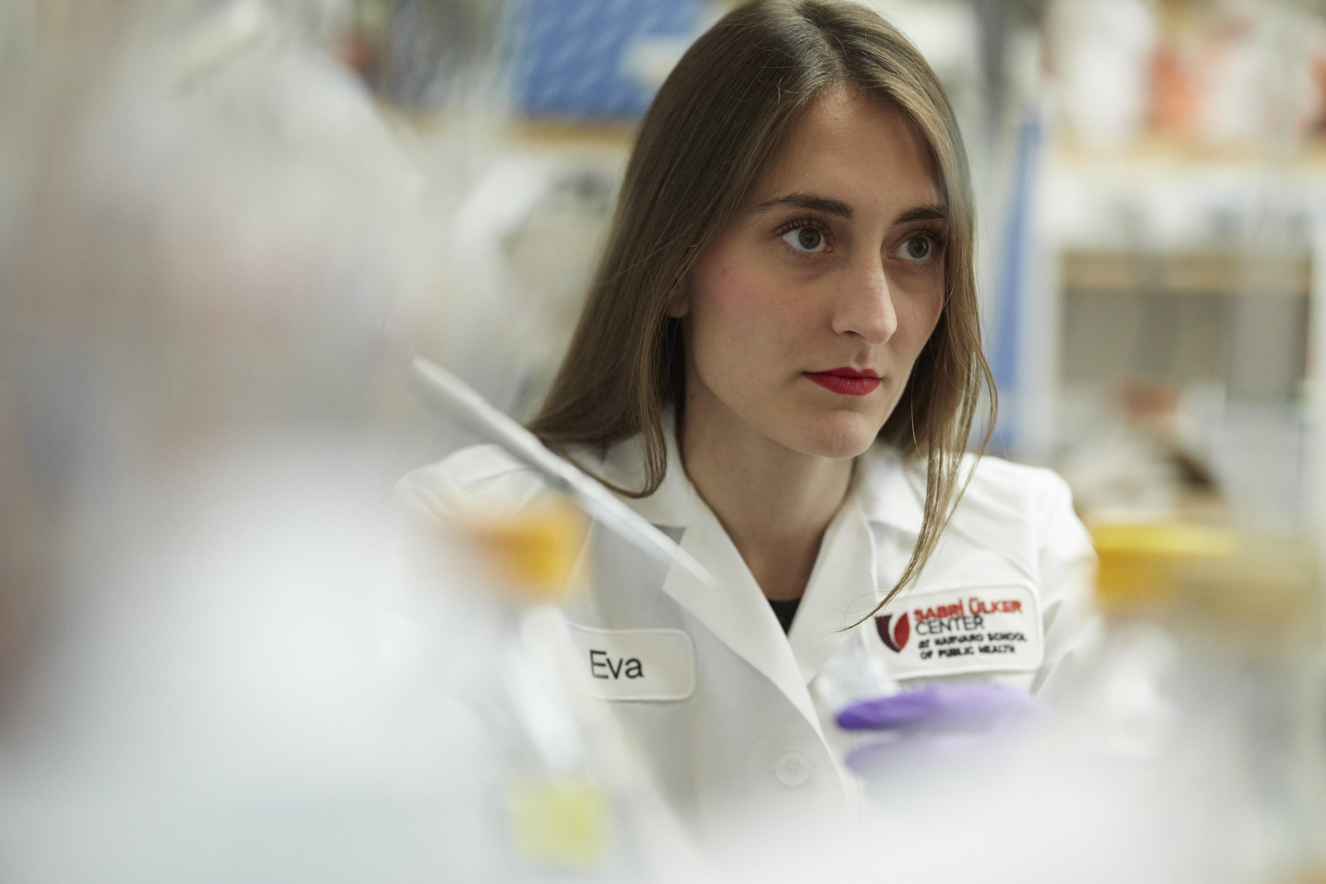 Dr. Eva Tsaousidou