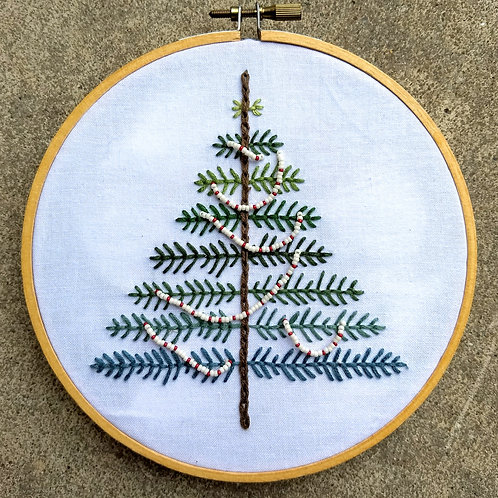 11/28 Embroidered Garland Tree