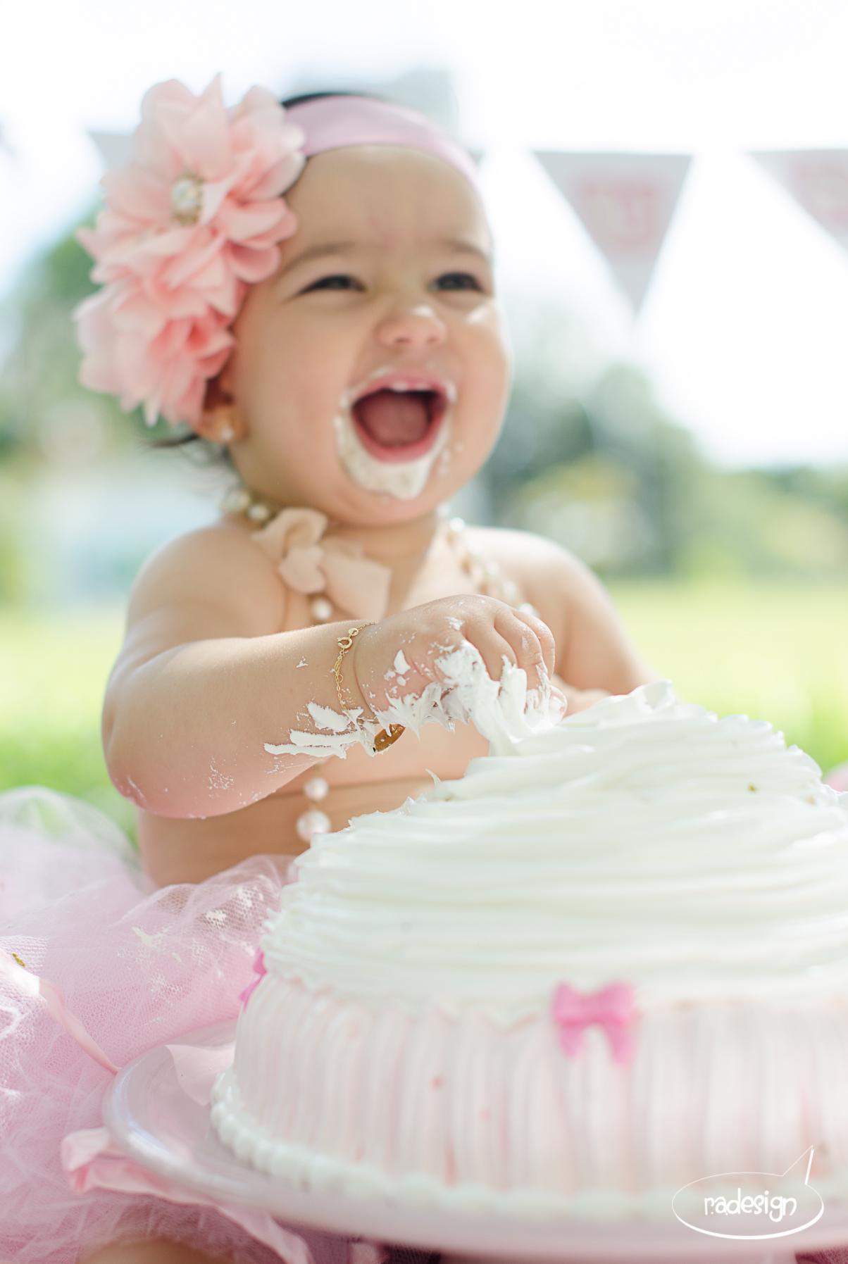 Smash the cake - Laura logo-154.jpg