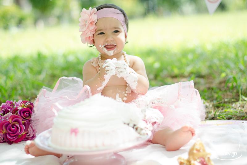 Smash the cake - Laura logo-216_edited.jpg
