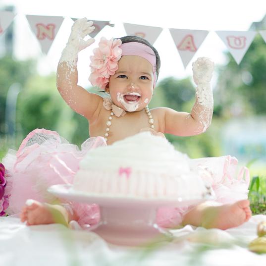 Smash the cake - Laura logo-273_edited.jpg