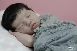 Newborn Laila 09_edited