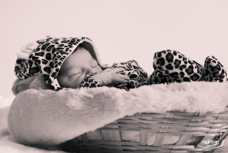 Newborn Laila 08_edited
