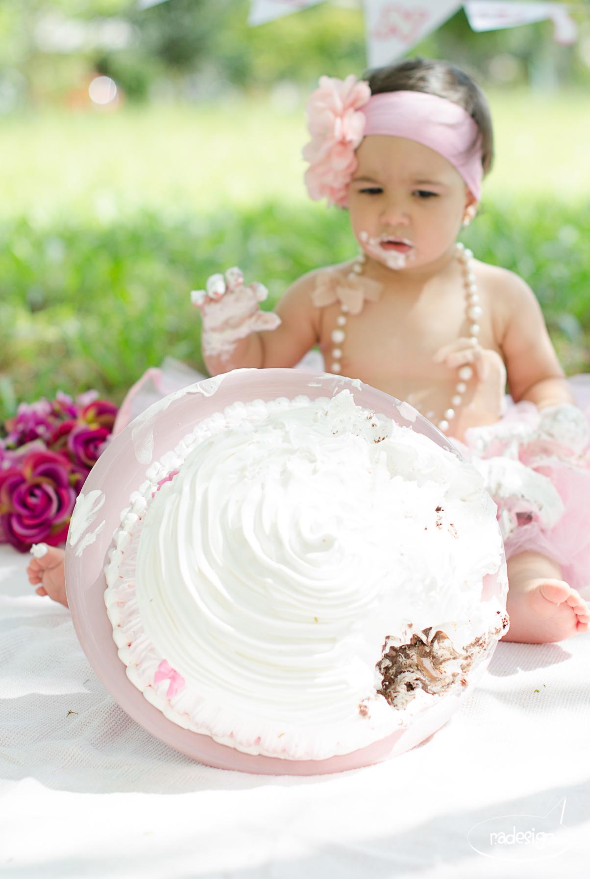 Smash the cake - Laura logo-183.jpg