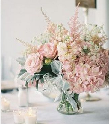 Short Centerpiece in Ivory & Blush