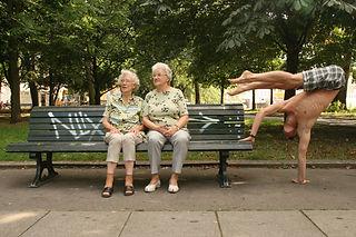 Mirko Köckenberger, Kockenberger, Handstand, Artist, Mirko Kockenberger, Handbalancing, Mirko Velvet, Show, Performance, Act, Balance, Mirko handstand, mirko Artist, Koeckenberger, Köckenberger