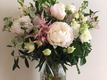 WANT TO KEEP YOUR FLOWERS LOOKING FABULOUS FOR LONGER?